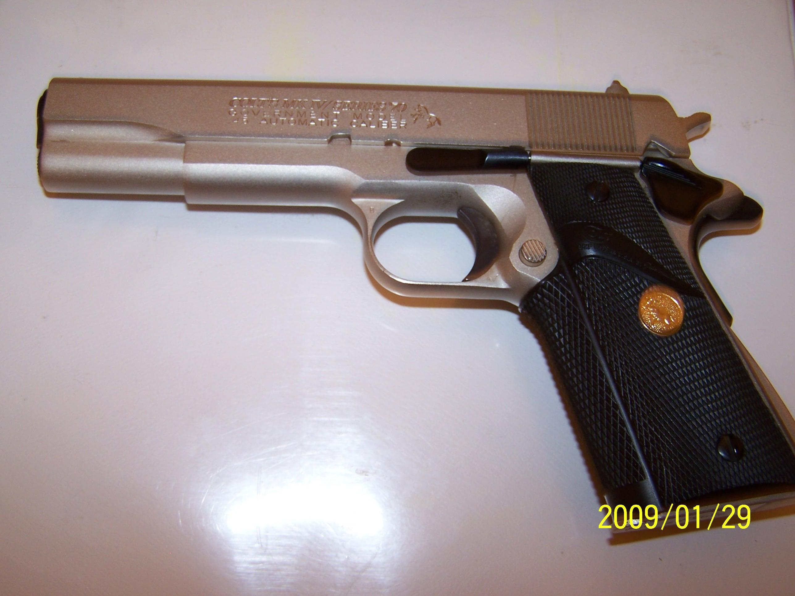 Any Collector Value on This 1911?-colt-goverment-model-45-70-series-001.jpg