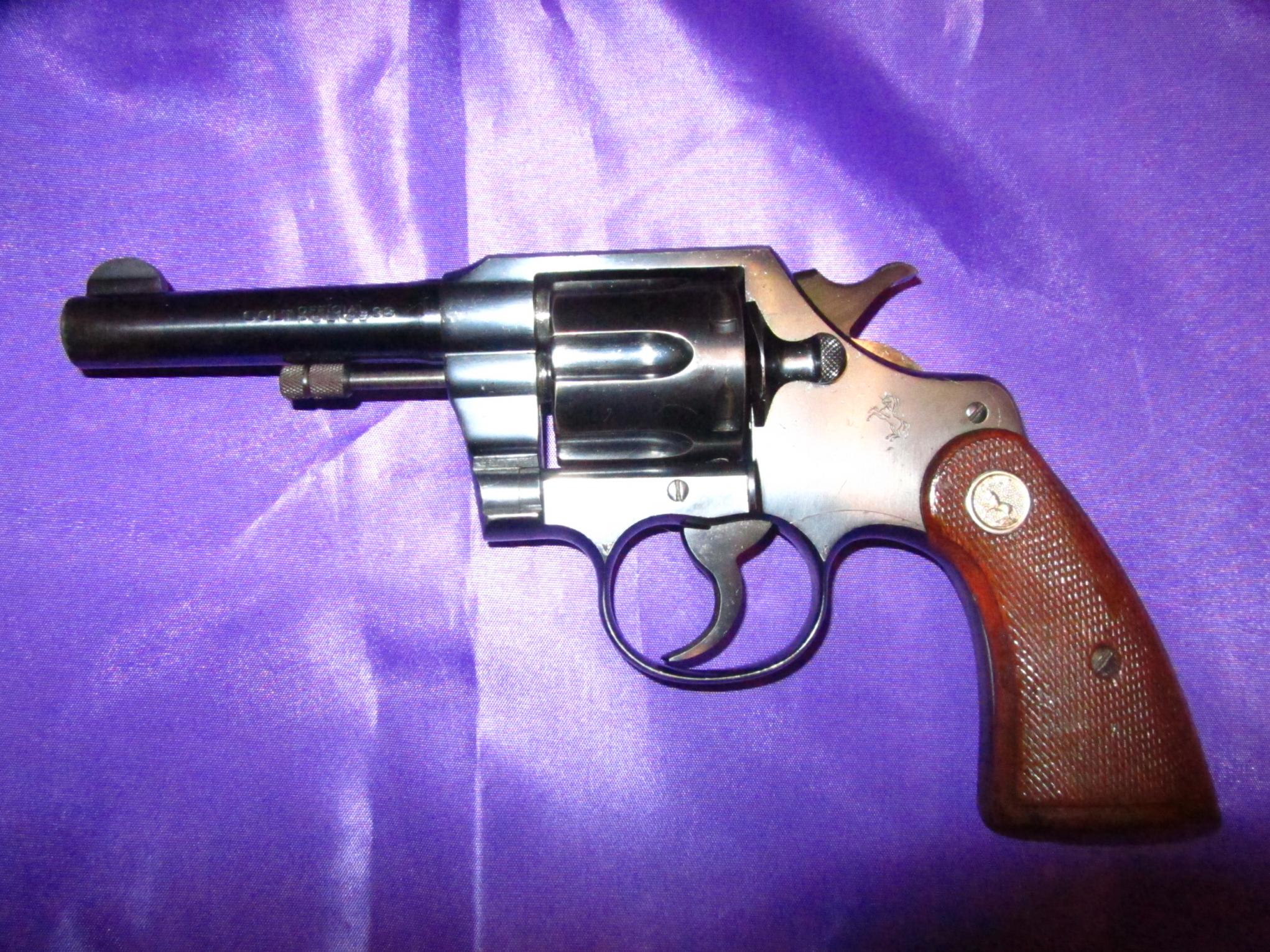 A Colt and a Smith-coltop.jpg