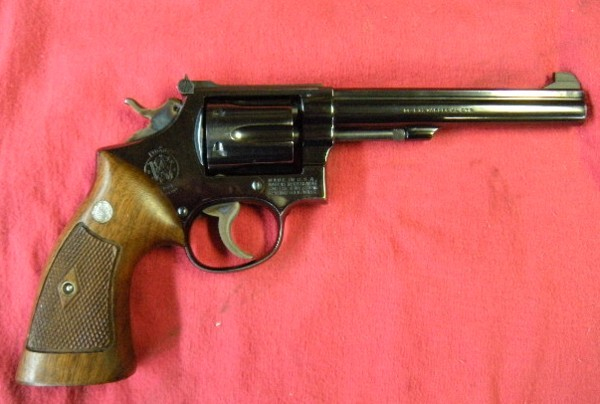 Anyone ALL about revolvers?  (post 'em up)-combatmast1.jpg