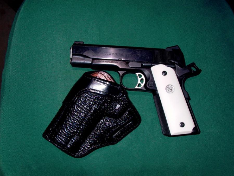 Define BBQ Gun-commander-alessi.jpg
