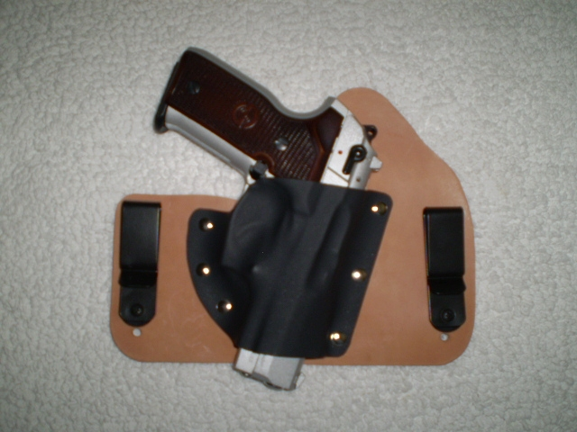 Tuckable IWB by Tommy Theis-cougarinholster.jpg