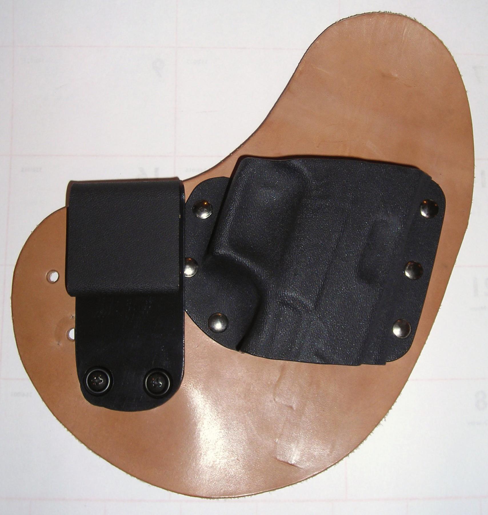 Crossbreed Holster (Quik-Clip Model)-crossbreed-quikclip.jpg