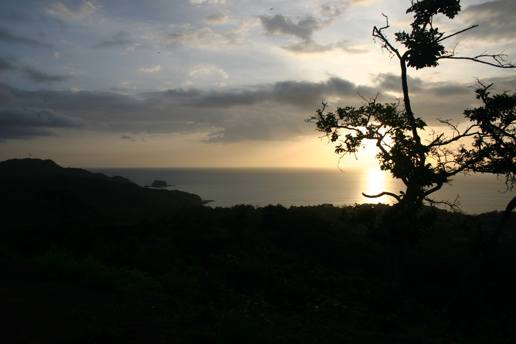 Pictures from abroad!(and elsewhere, Dial up beware)-crsunset.jpg
