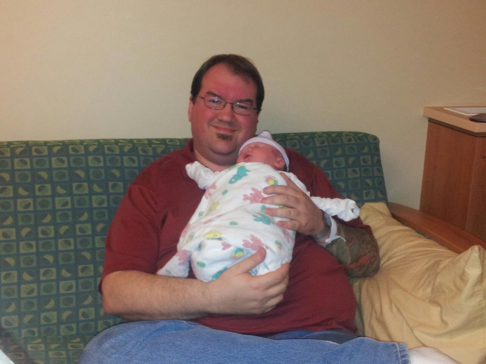 A new little magnum has been added to our family!-daddy_and_joseph.jpg
