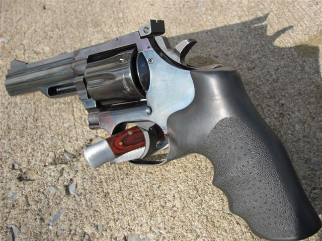 Revolvers are feeling the love-danwesson.357-009.jpg
