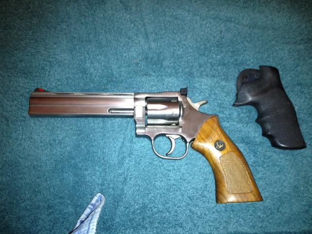 Dan Wesson 357 Mag-danwesson2.jpg