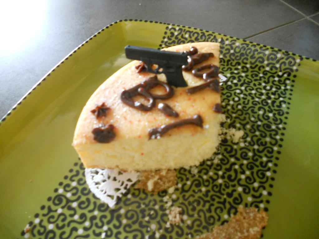 I baked a cake!-dogonlakecake-018.jpg