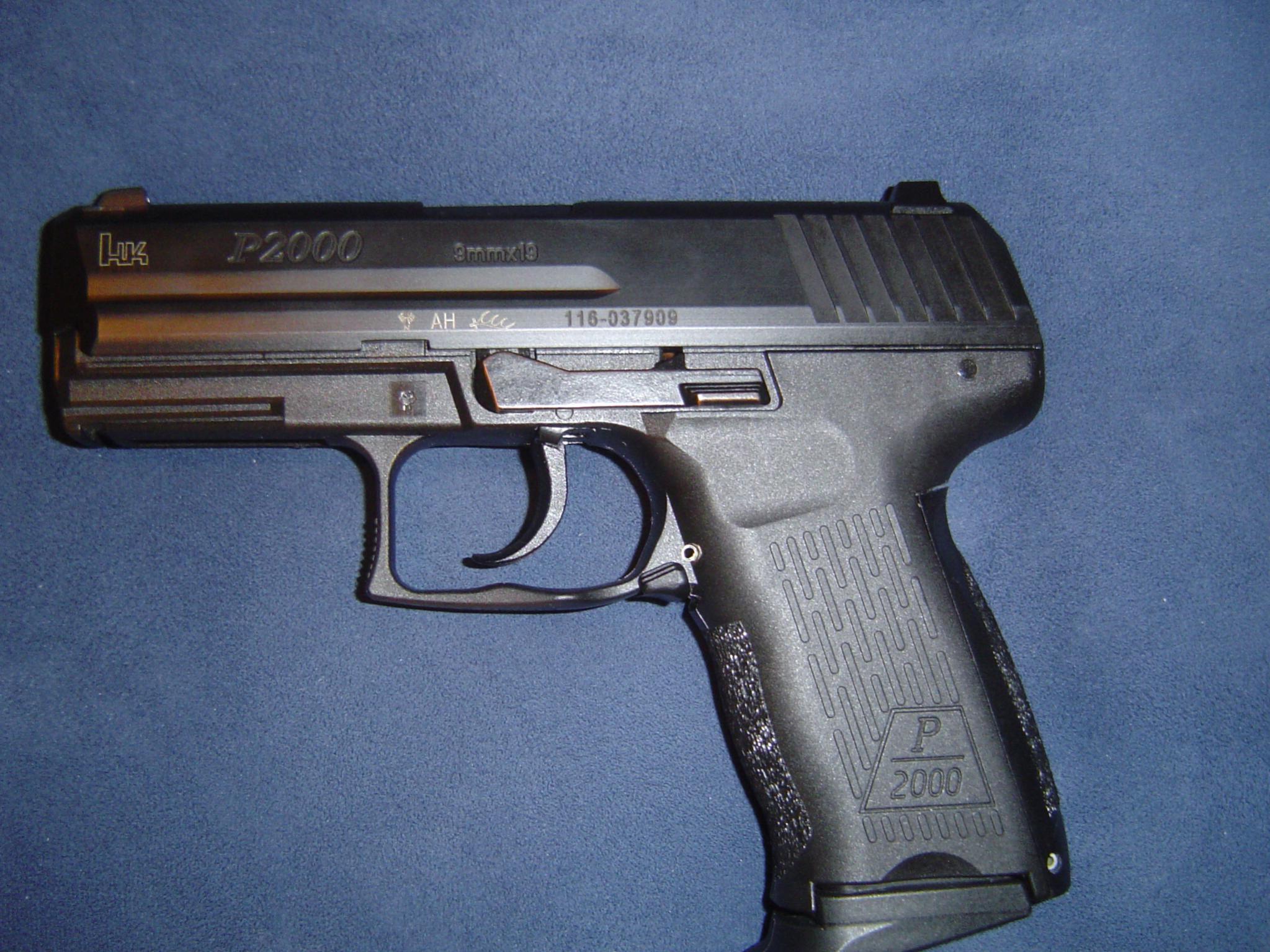 My new carry gun. HK P2000 V2-dsc00018.jpg