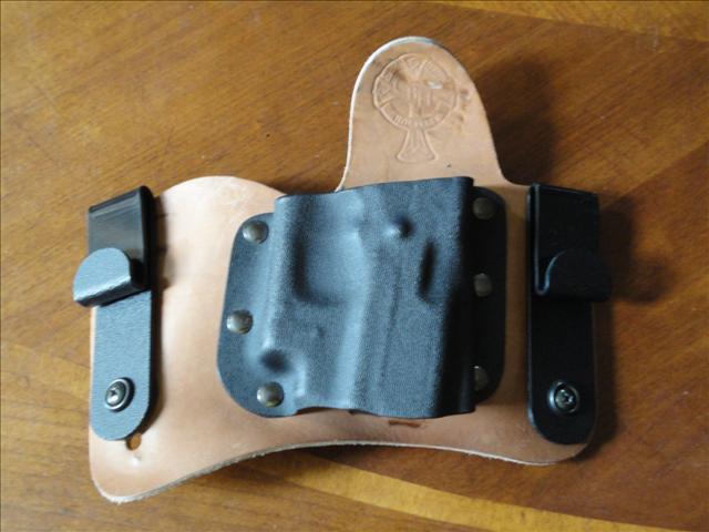 show your concealment holsters>>-dsc00026.jpg