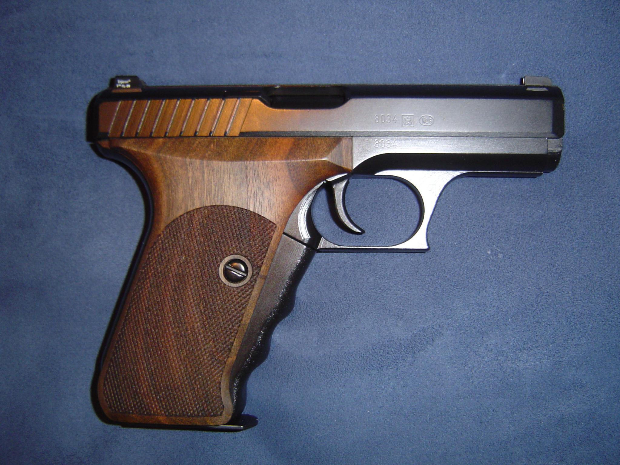 Here is my new carry gun... HK P7 PSP-dsc00129.jpg