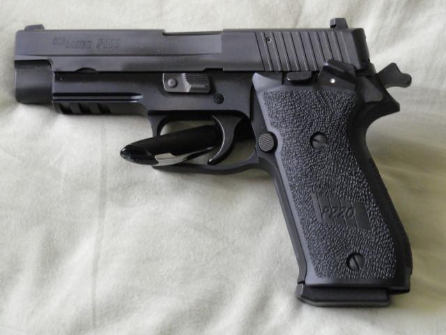 "The ""ONE"" - Sig P220 SAO-dsc00141.jpg"