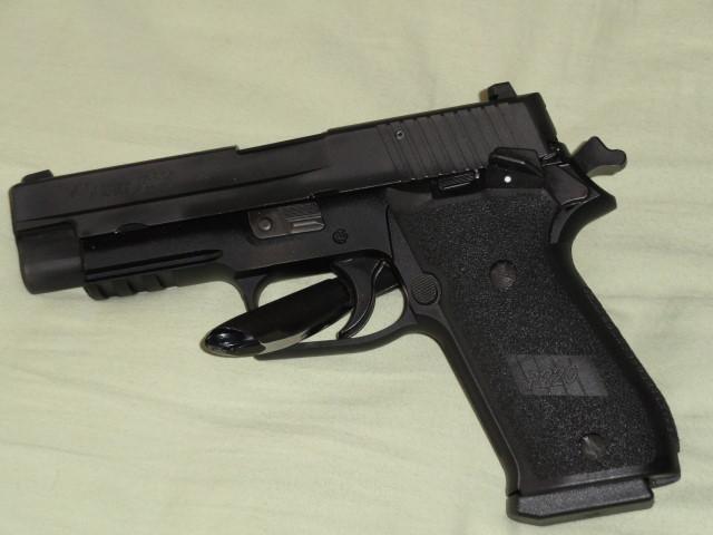 "The ""ONE"" - Sig P220 SAO-dsc00142.jpg"