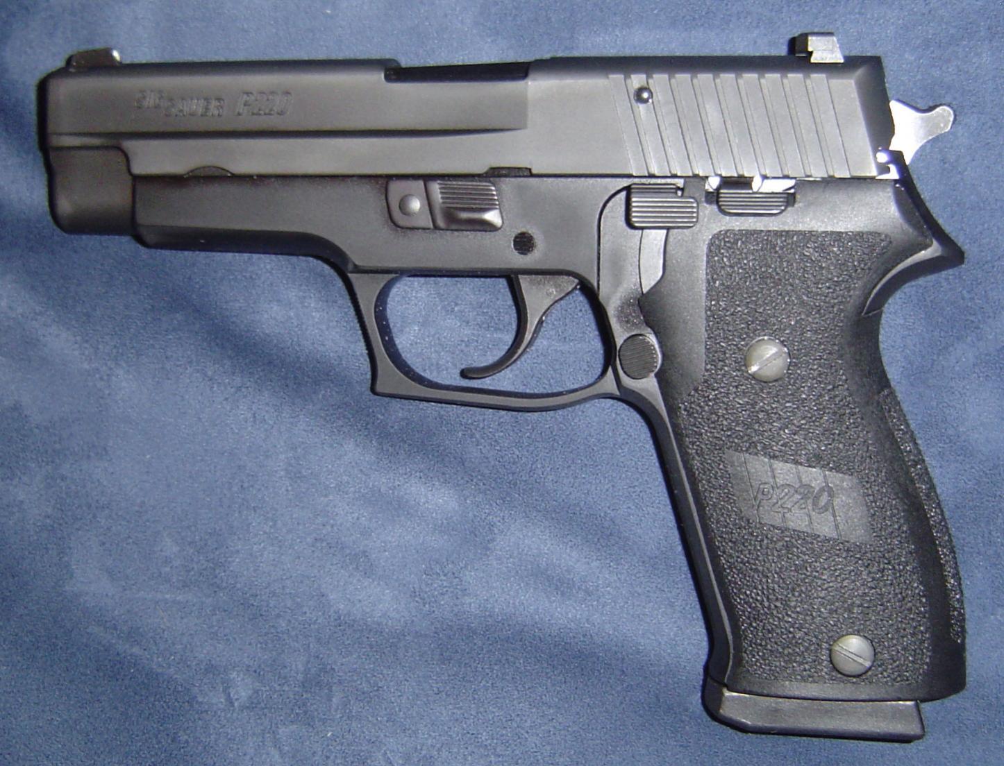 My Sig P220-dsc00439.jpg