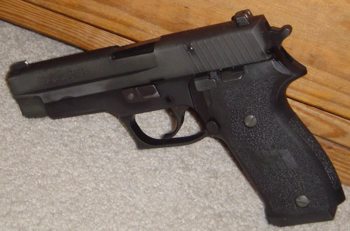 My Sig P220-dsc00440.jpg