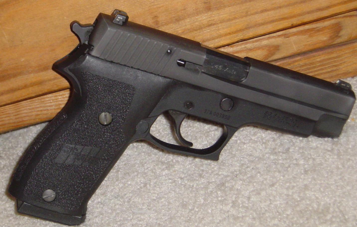My Sig P220-dsc00441.jpg