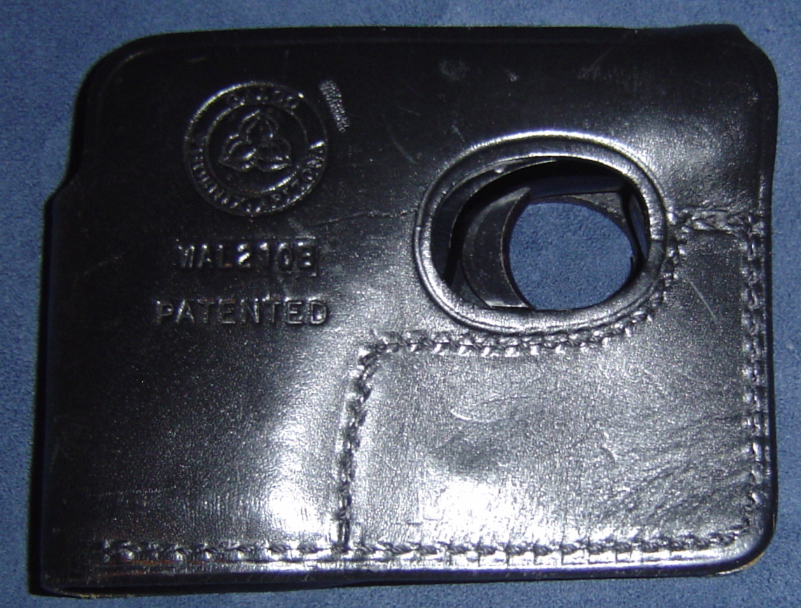 Any one use a Wallet Holster?-dsc00533.jpg