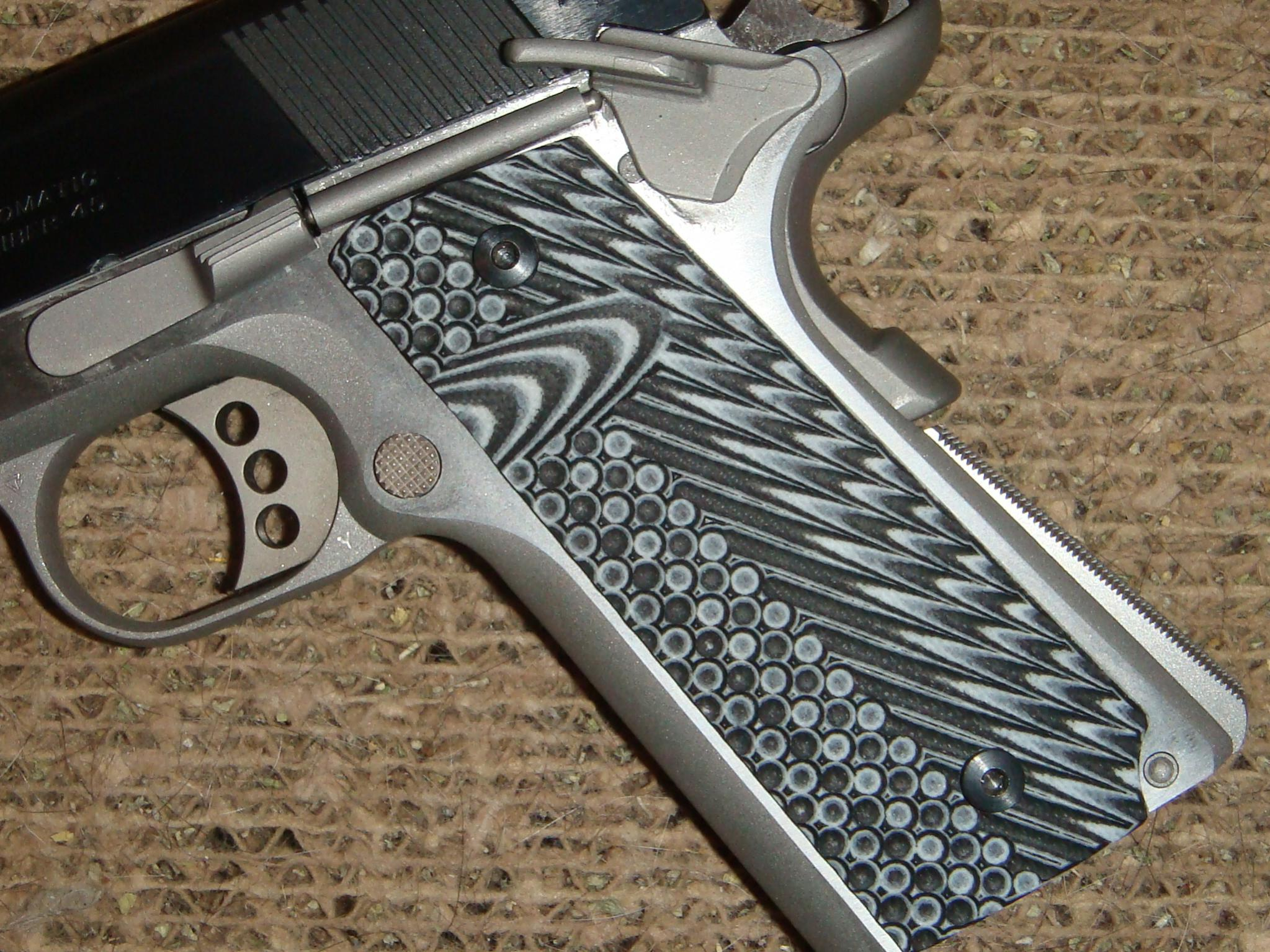 VZ Grips on the Dan Wesson CCO