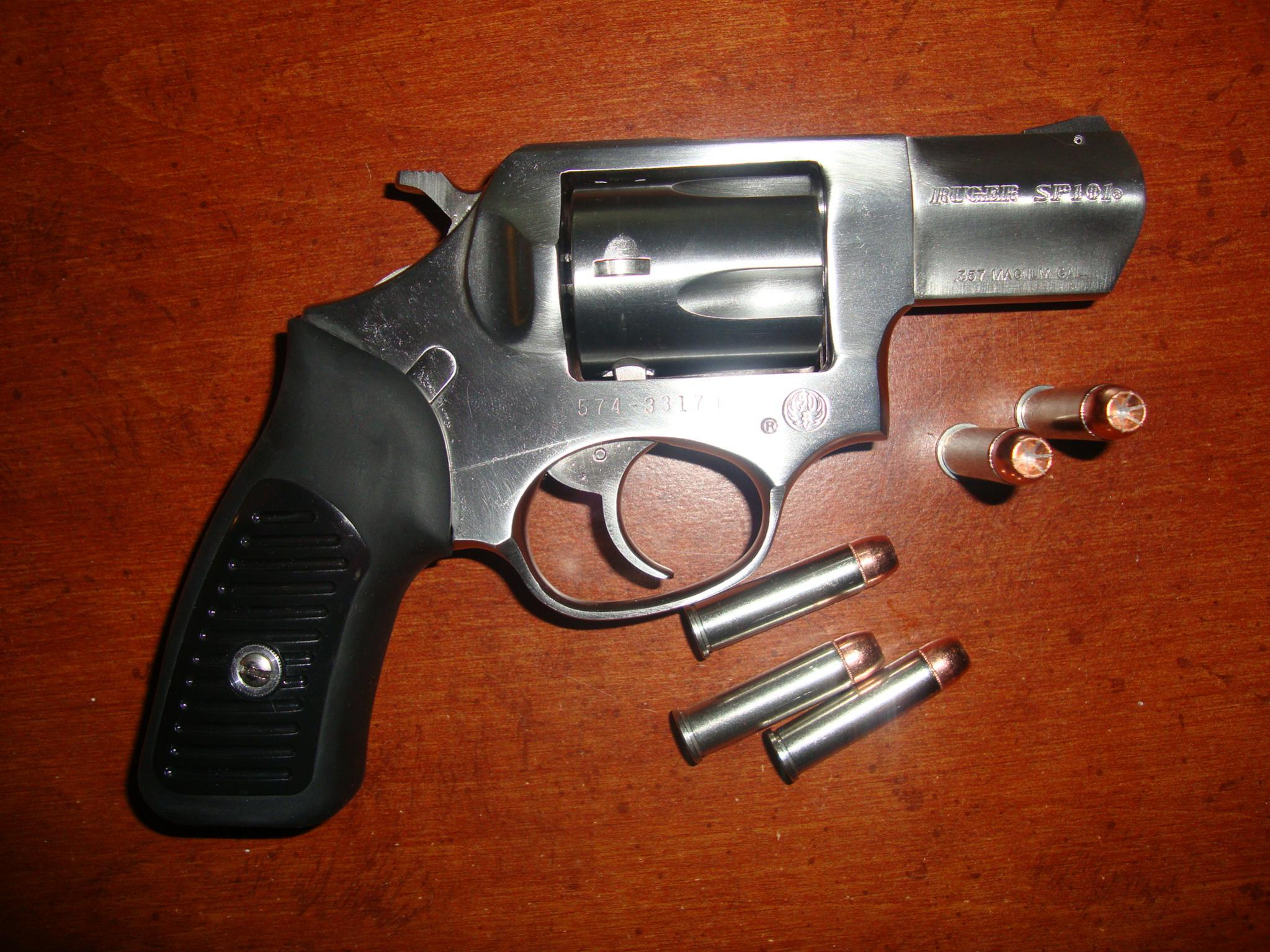 Ruger SP101 vs S&W 640 which one?-dsc00772.jpg