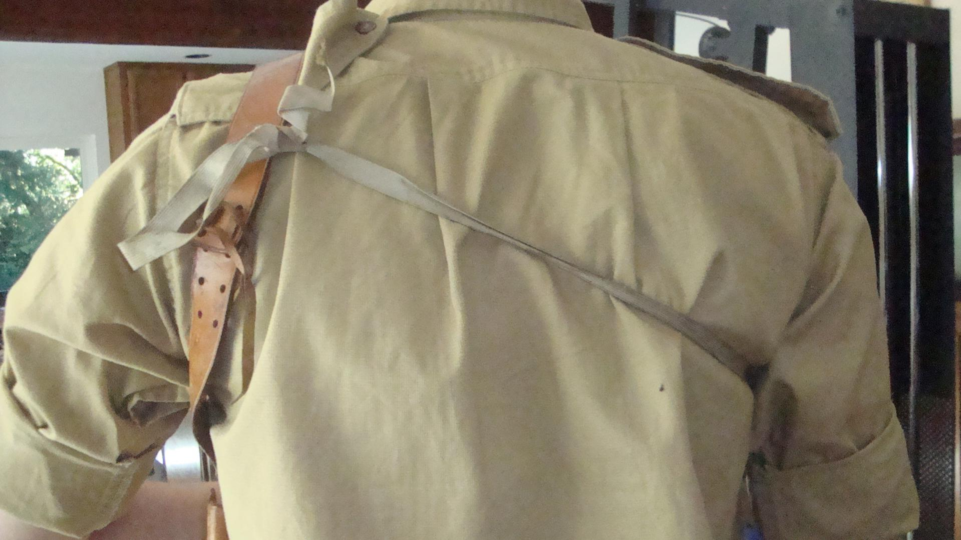 Can anybody tell me when this holster would be from?-dsc04628.jpg