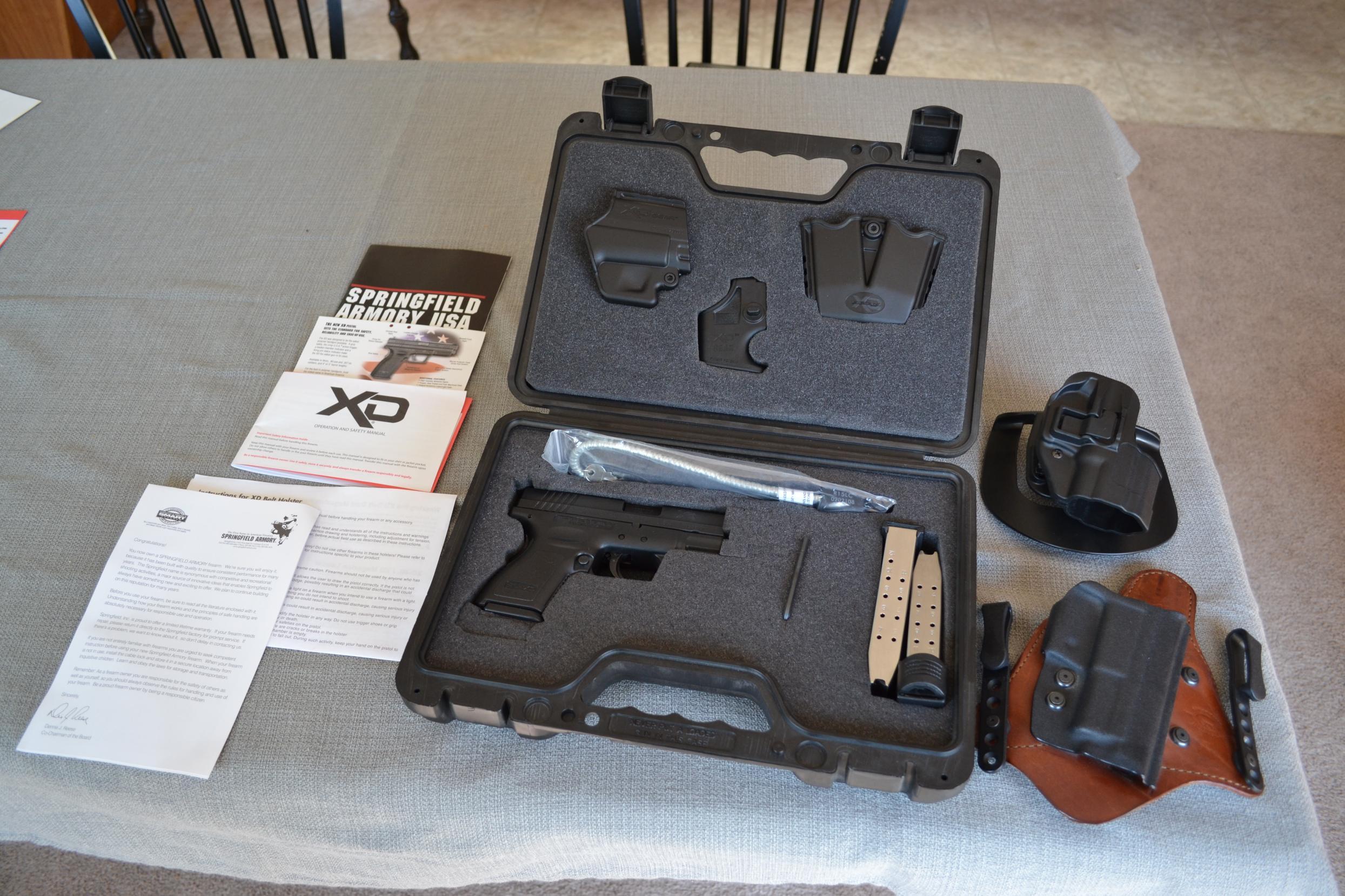 For Sale: Springfield XD40 Subcompact w/ Night Sights, Extras (Seattle, WA)-dsc_0003.jpg