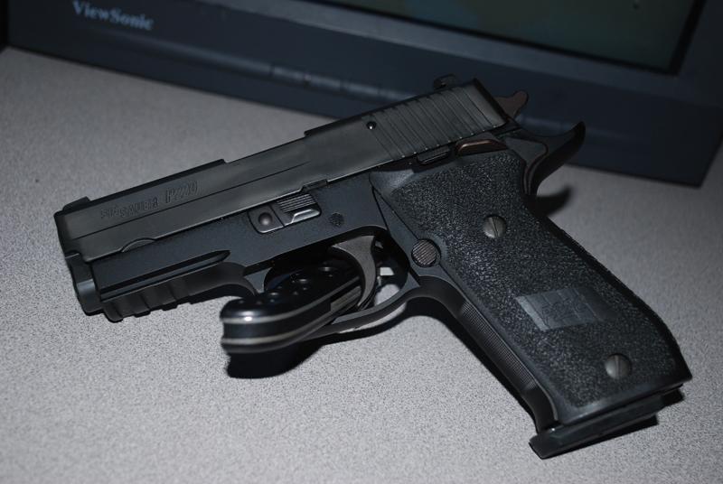 New Gun: Sig P220!-dsc_0627.jpg