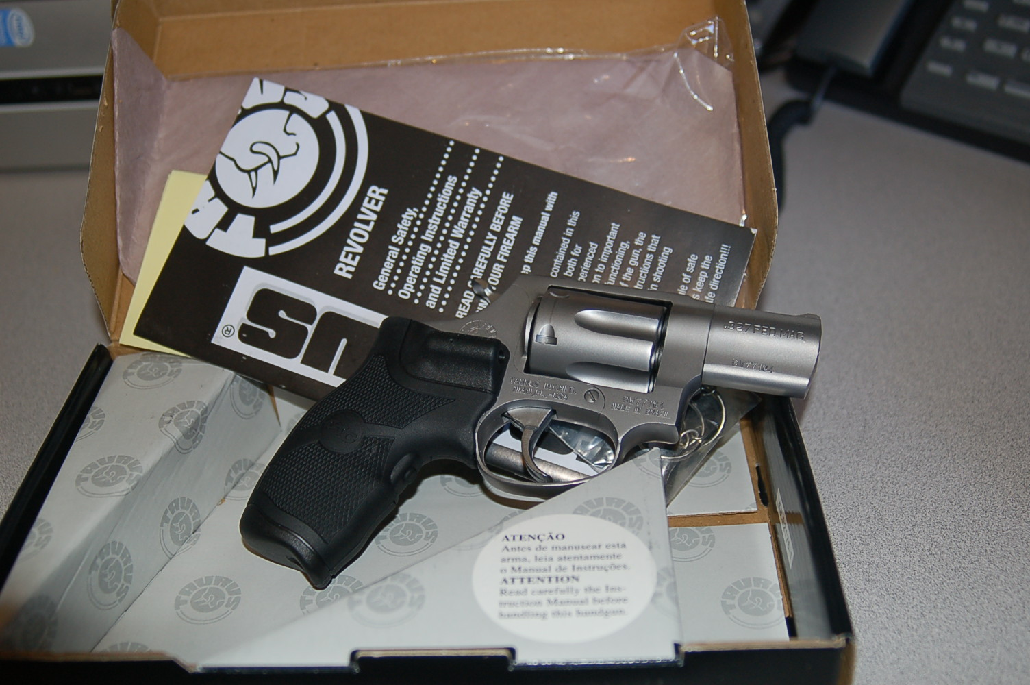 WTS: Taurus Stainless 327 .327 Fed Mag w/Laser Grips: [TX]-dsc_2460.jpg