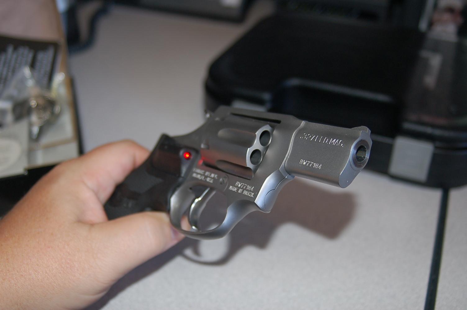 WTS: Taurus Stainless 327 .327 Fed Mag w/Laser Grips: [TX]-dsc_2461.jpg