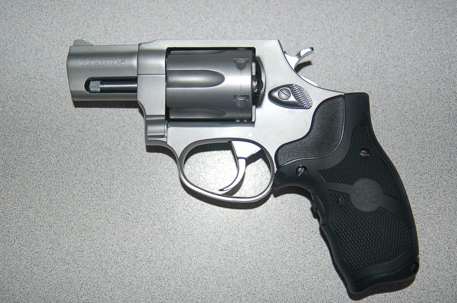 WTS: Taurus Stainless 327 .327 Fed Mag w/Laser Grips: [TX]-dsc_2463.jpg