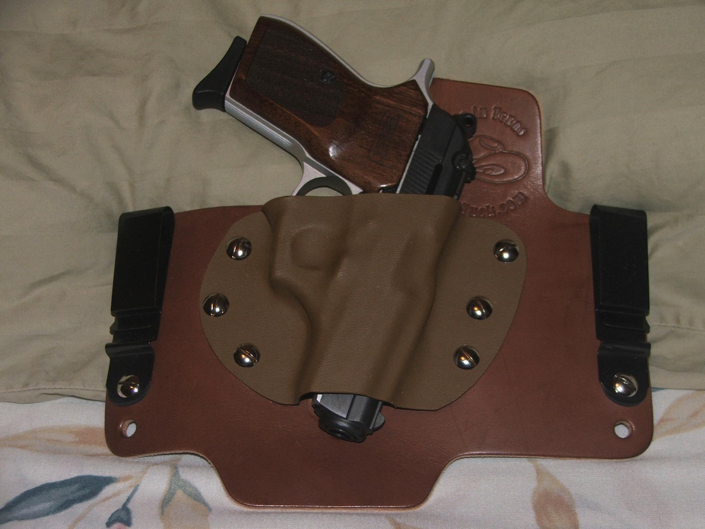 New custom holster by White Hat Hoslters in Texas-dscf1635.jpg