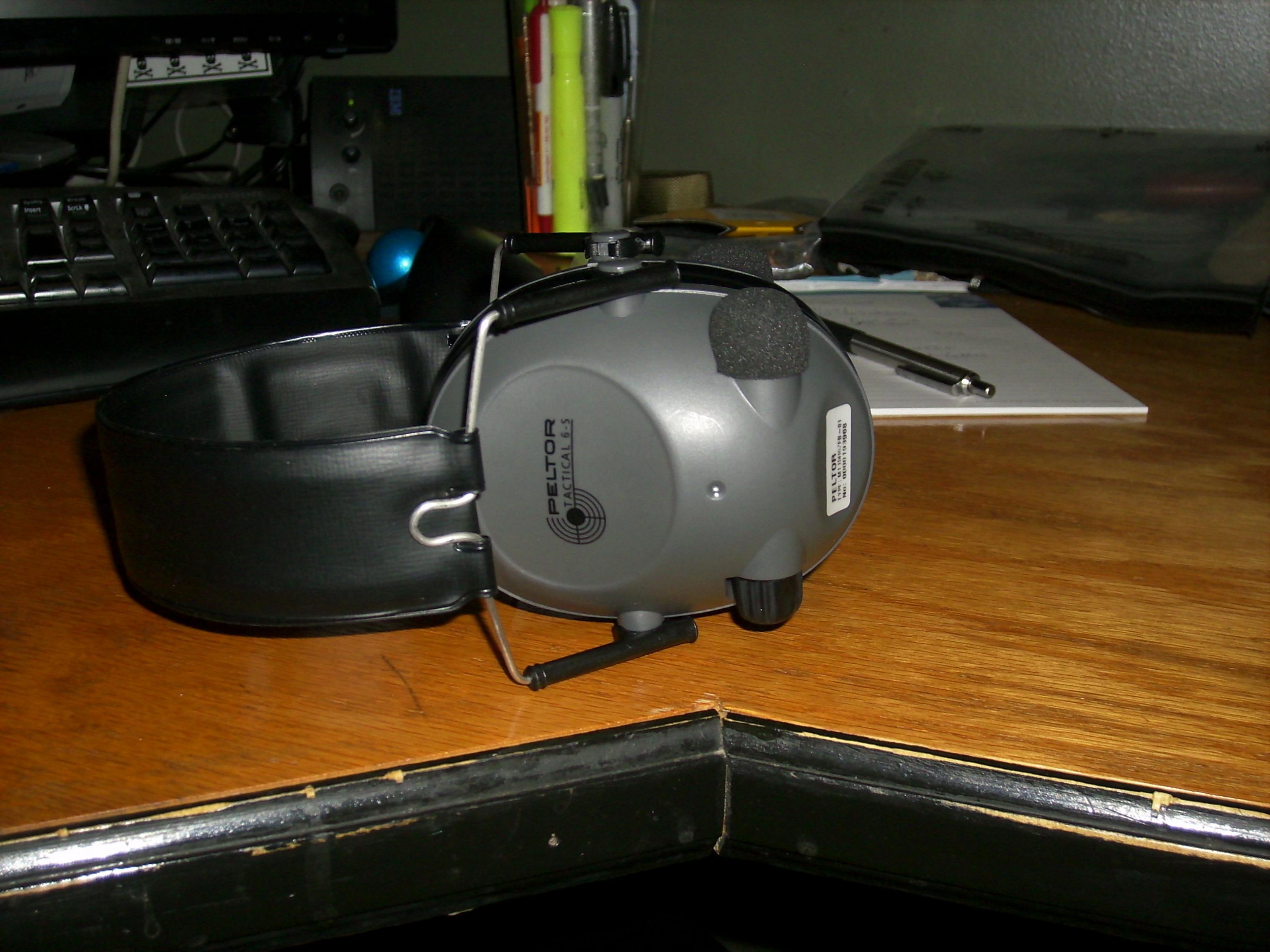 *SOLD* Peltor 6s electronic muffs-dsci0022.jpg