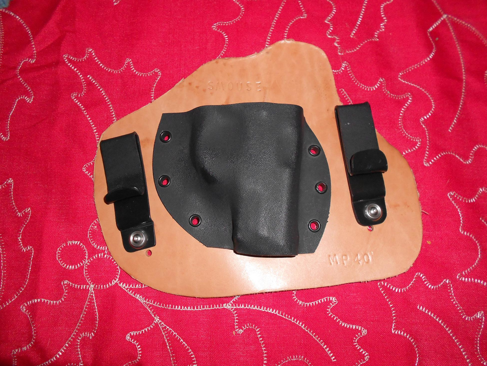 3 holsters (2) G26/27 and (1) M&P Compact (ID)-dscn0539.jpg
