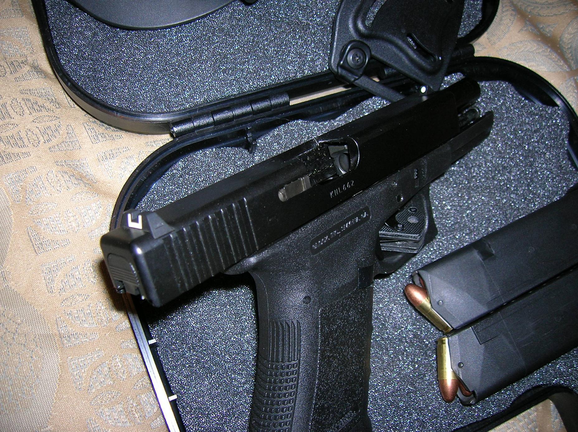Glock 17 for trade - VA Beach, Richmond, Roanoke-dscn2168.jpg