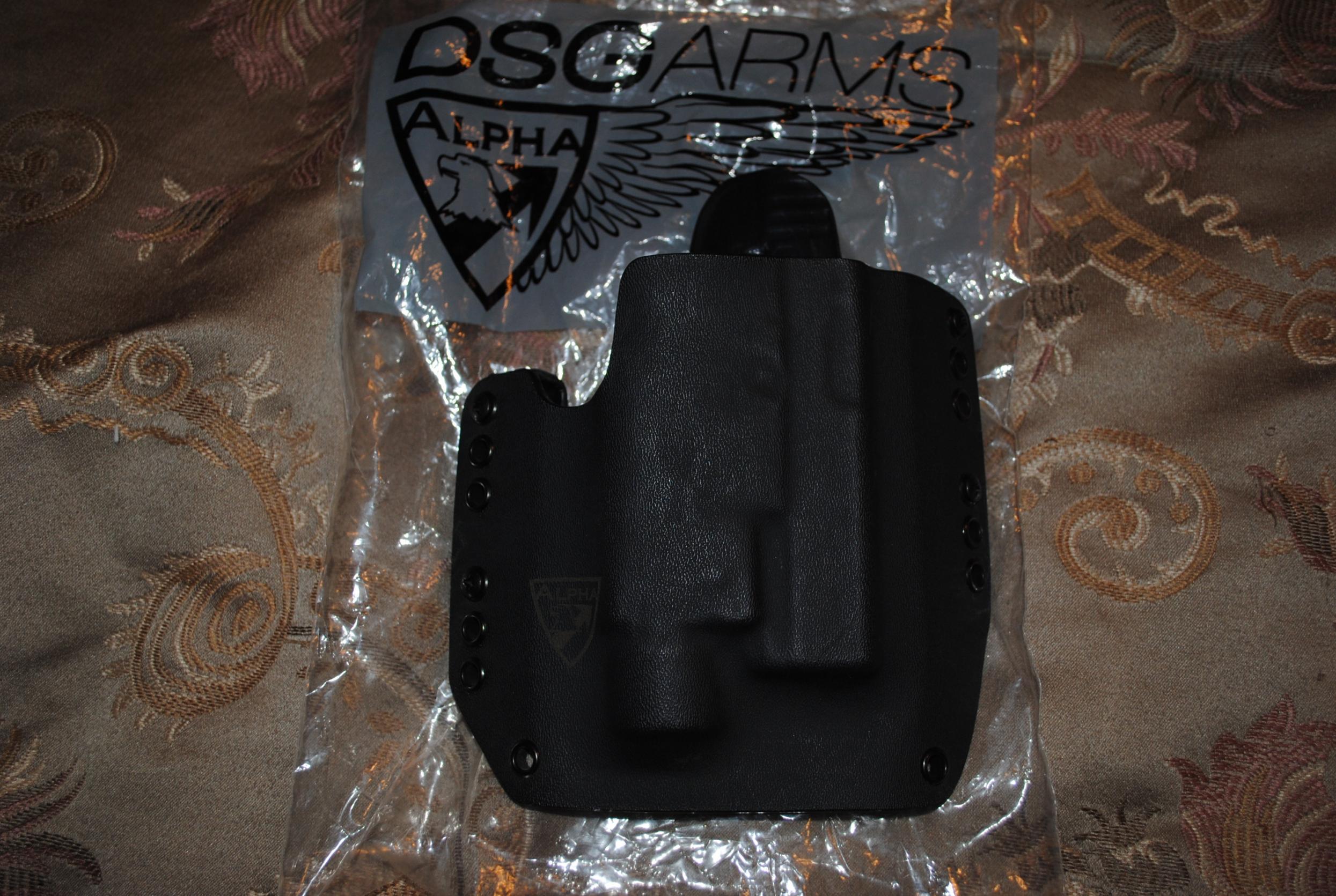 WTS: DGS Glock 19,23 holster and Sreamlight TLR3-dsg1.jpg