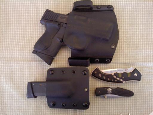 show your concealment holsters>>-edc_2011_1.jpg