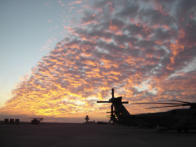 Pictures from abroad!(and elsewhere, Dial up beware)-flightline.jpg