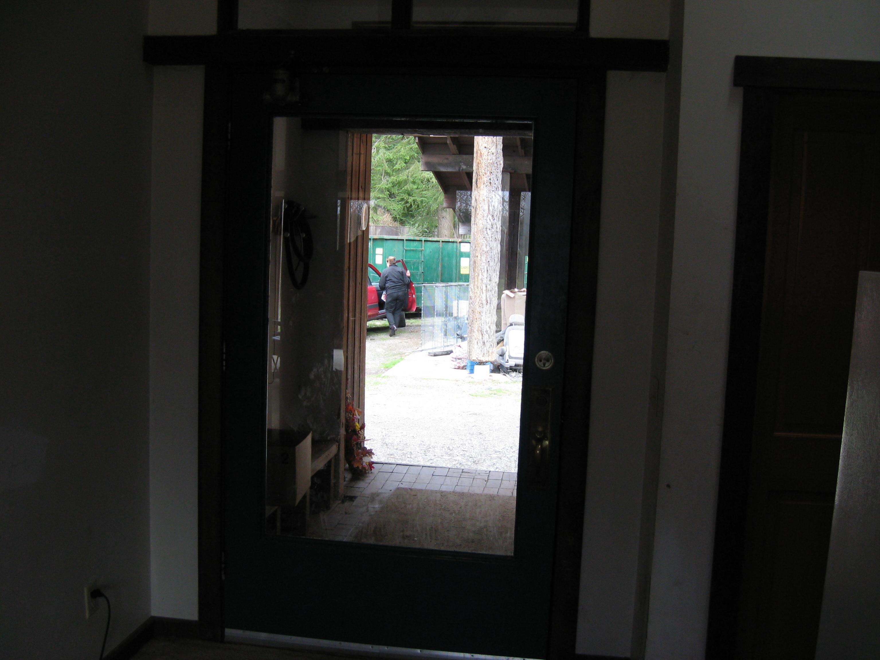 Opening your front door while carrying-frdoor.jpg