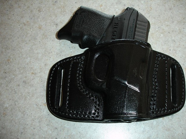Tagua Gunleather Quick Draw Belt Holster - 5*s-front.jpg