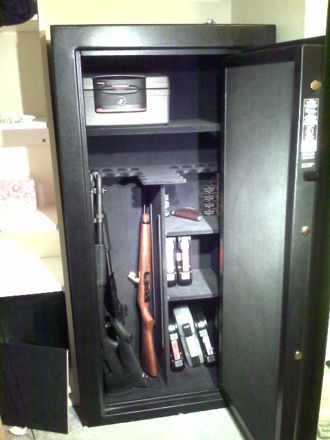 Finally got the gun safe-full.jpg