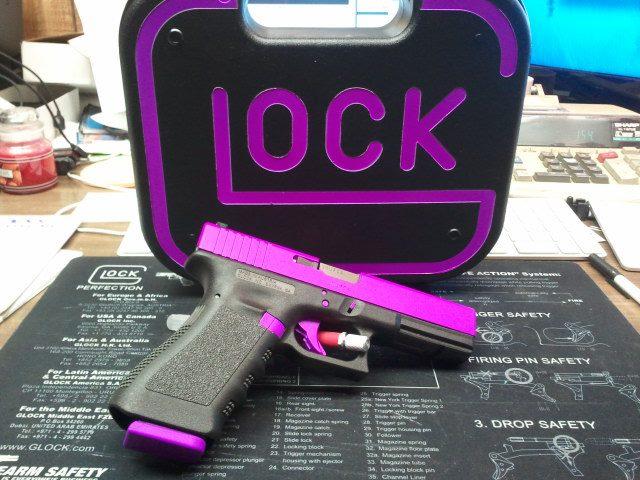 DuraCoat: Glock 17 Gen 3 in Hot Purple!!!-g17gen3-contrastpattern-hotpurple.jpg