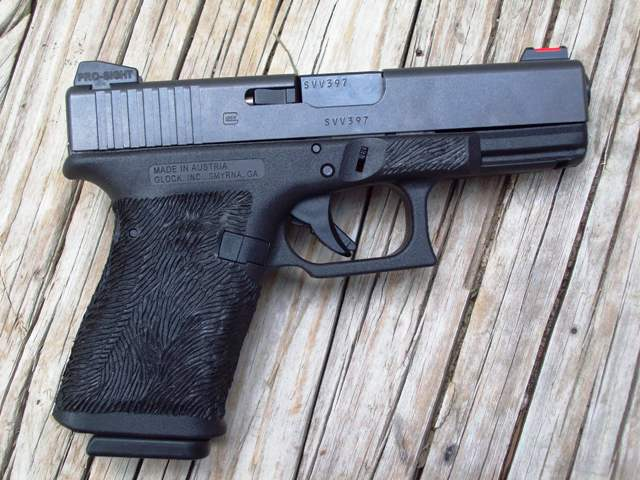 """Is the """"Feel"""" of a handgun over rated?-g19-fb-.jpg"""