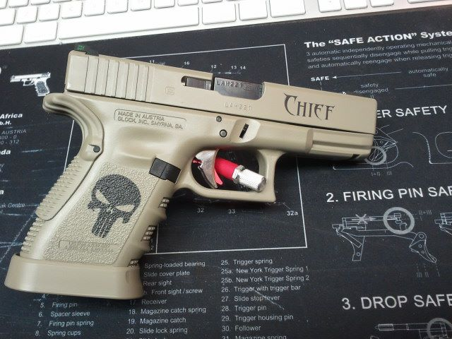 DuraCoat Work: Glock 19 in Magpul FDE with Punisher skulls and Text!-g19-singlecoatwholefirearm-skulls-text-magpulfde.jpg