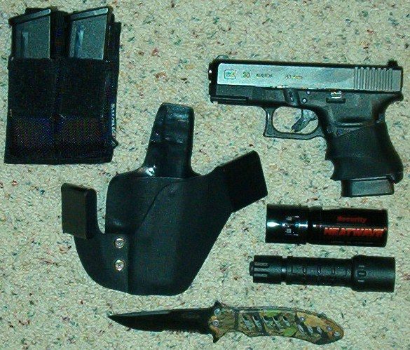 Glock 30sf to thick to conceal IWB?-g30-carry-3.jpg