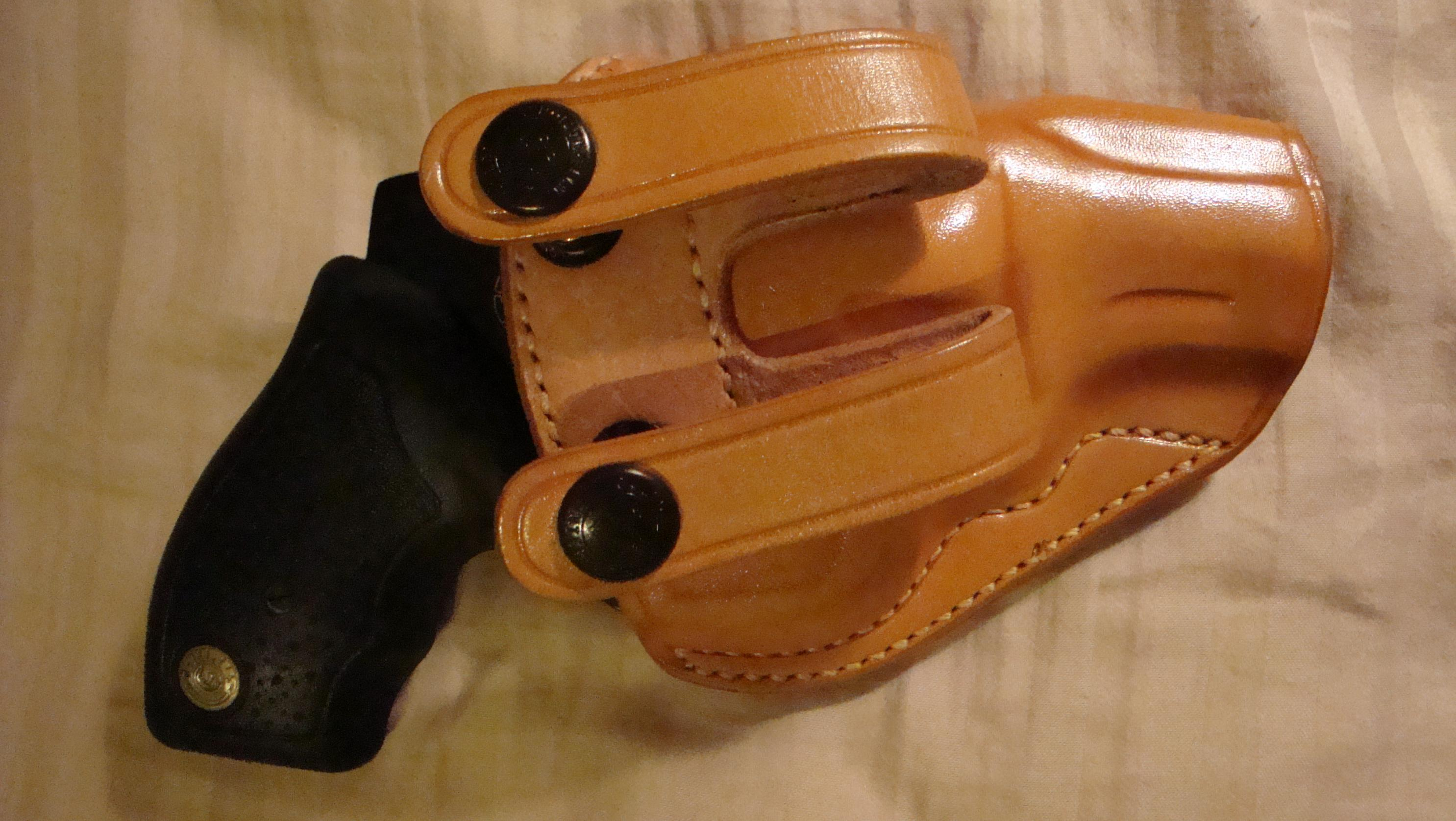 Let's See Your Pic's - How You Carry Concealed.-galco-w-gun-back.jpg