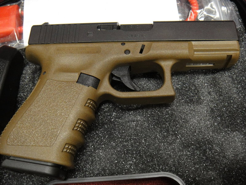 Collector piece, or just somewhat hard to find color? G19 FDE-glock-19-fde3.jpg
