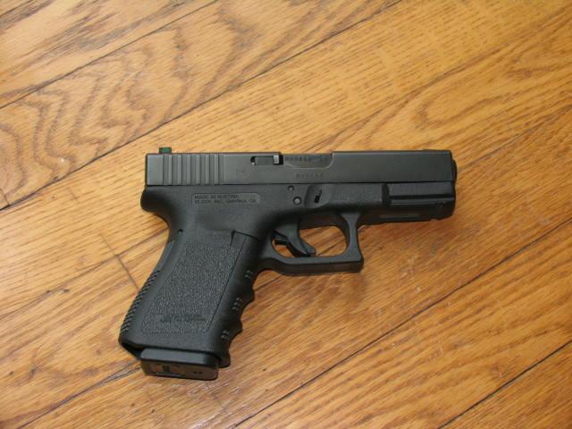Glock 26 or 19/23?-glock-23.jpg