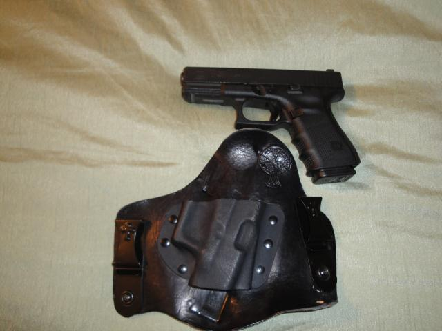 Should CrossBreed Holsters offer plain clips?-glock-23-small.jpg