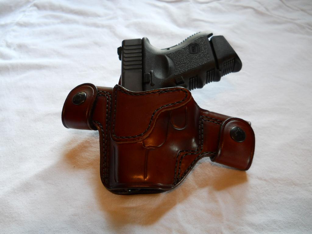 Gun bugs me......-glock-alessi2.jpg