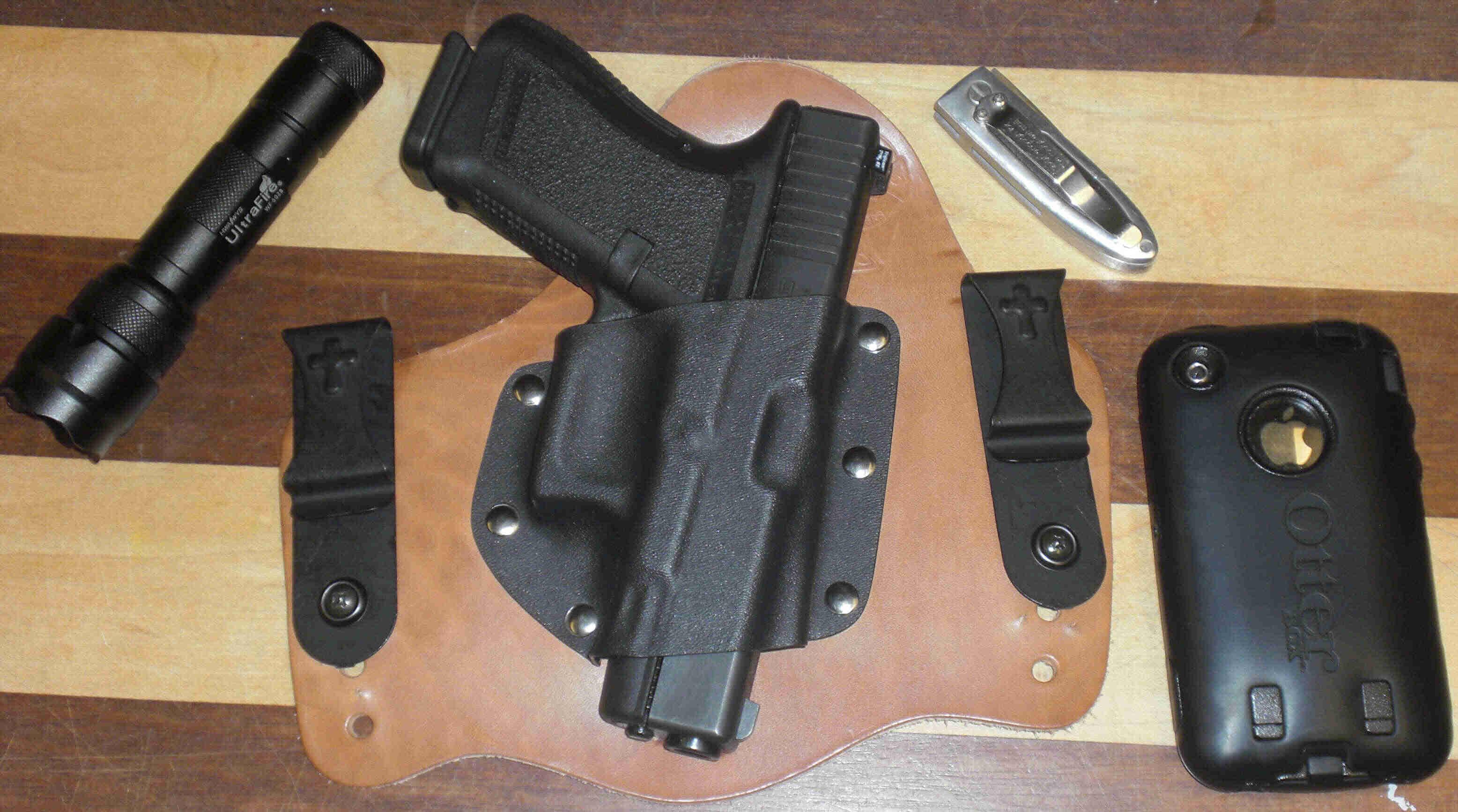 Best IWB for Glock 23 and 27-glock.jpg