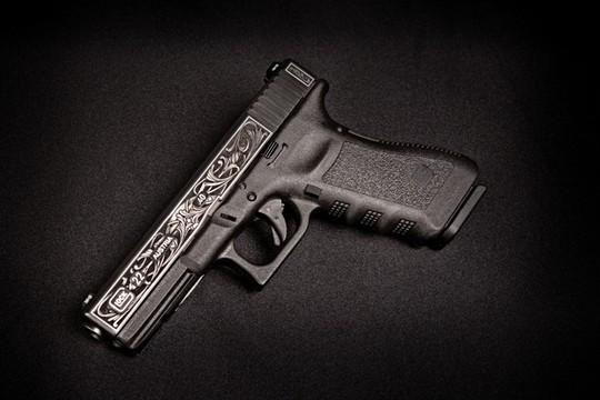 Auction: Beautiful engraved Glock (!) at SHOT auction + ...-glock2.jpg