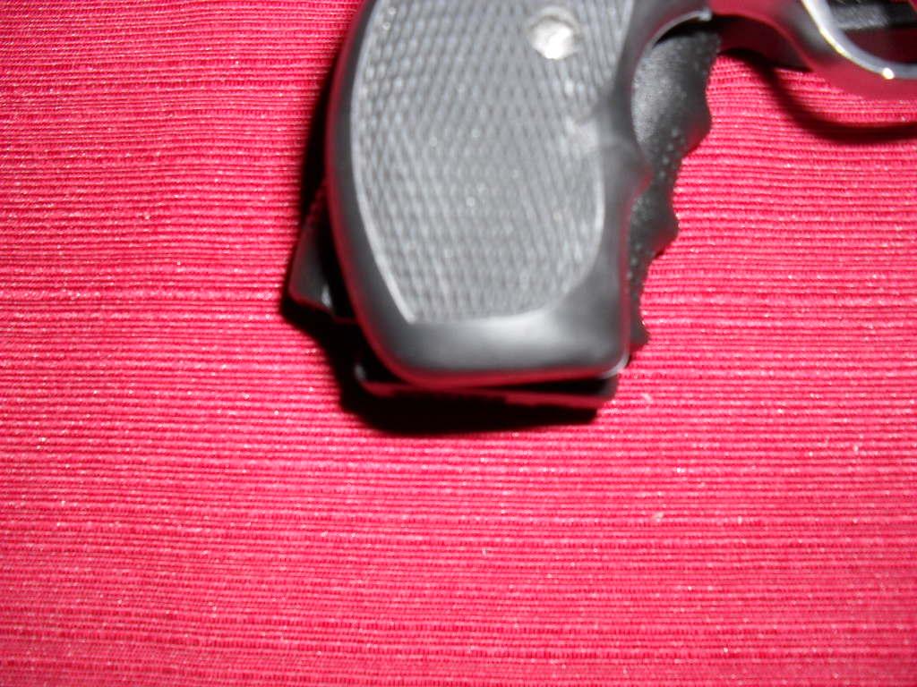 Gen 4 Glock 19 Range report and Review (Long)-grip.jpg